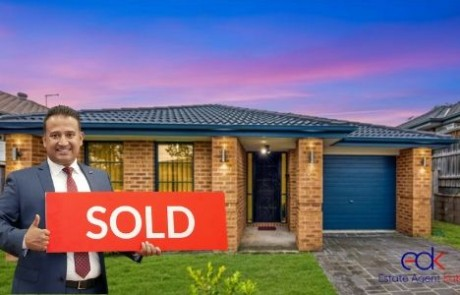 Real Estate Agent in Minto NSW (2)
